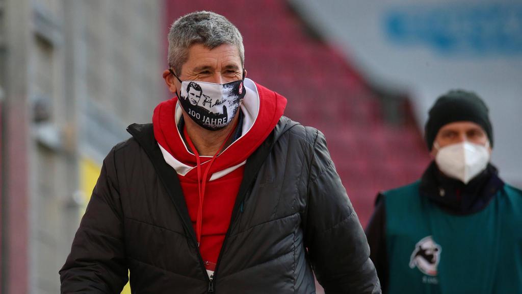 Markus Merk hält eine Altersgrenze für Schiedsrichter für sinnvoll