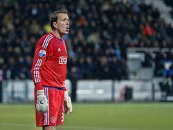 Diederik Boer heeft het relatief rustig tijdens Heracles Almelo - Ajax. De tweede goalie van Ajax staat op doel omdat Jasper Cillessen geblesseerd is. (17-10-2015)