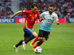 Für David Silva (l.) ist es keine Überraschung, dass die Spanier wieder hoch gehandelt werden