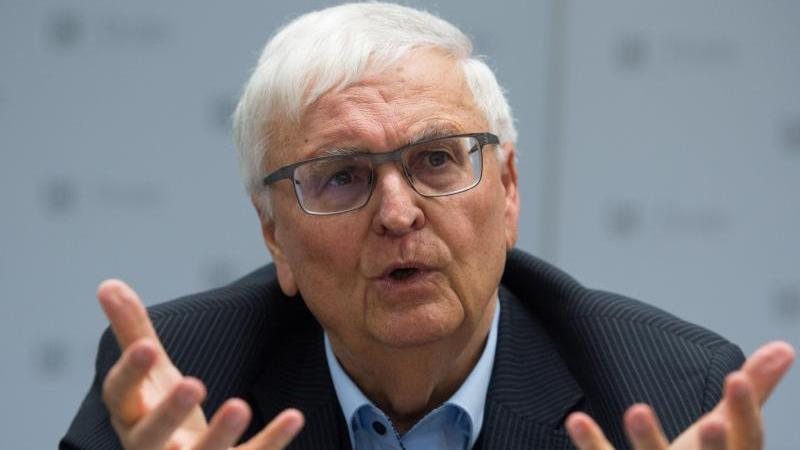 Theo Zwanziger hält einen deutschen Vorstoß, Katar noch die WM 2022 zu entziehen, nicht für ratsam