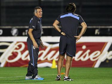 Tabárez no contará para el encuentro ante los bolivianos Suárez y Cavani. (Foto: Getty)