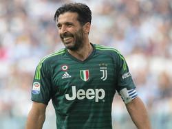 Buffon con la camiseta de la Juventus.