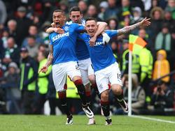 Barrie McKay (r.) und die Rangers setzten sich nach einem echten Krimi gegen Celtic durch