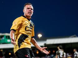 Giovanni Korte is gefrustreerd tijdens het competitieduel FC Dordrecht - NAC Breda (22-08-2016).