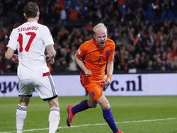 Davy Klaassen jubelt im Spiel gegen Belarus