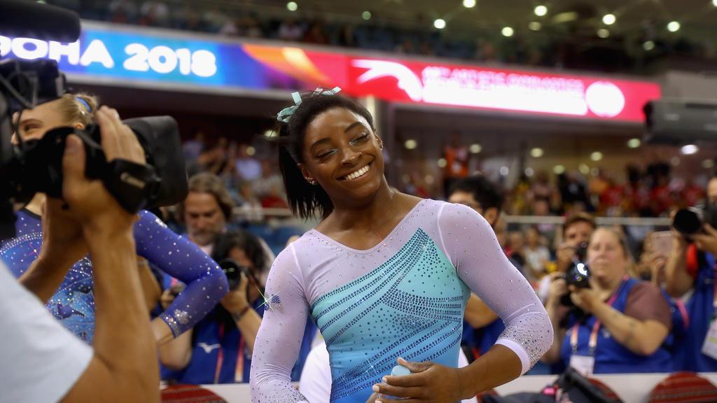 Simone Biles freut sich über nächste Medaille bei Turn-WM