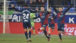 David Ferreiro celebra el primer gol del Huesca para empatar el partido. (Foto: Imago)