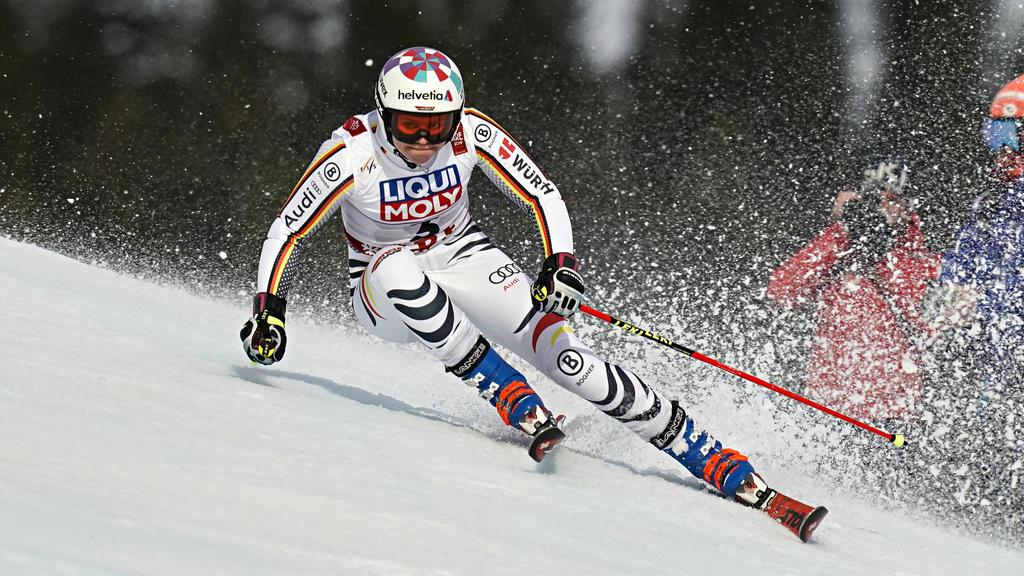 Viktoria Rebensburg belegte beim Abfahrts-Finale den zweiten Platz