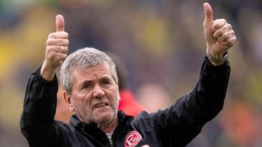 Friedhelm Funkel wird zum insgesamt 495. Mal auf der Bundesliga-Trainerbank sitzen. Foto: Marius Becker