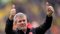 Trainer Friedhelm Funkel ist in Düsseldorf schon fast eine Vaterfigur