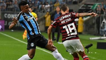Gute Ausgangsposition für Rafinha (r.) und Flamengo