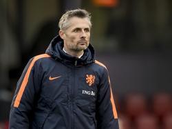 Een van de dertien nieuwe cursisten, Kees van Wonderen. Hier als trainer bij een wedstrijd van Oranje onder-17.