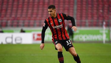 André Silva hat bei Eintracht Frankfurt einen Dreijahresvertrag unterzeichnet