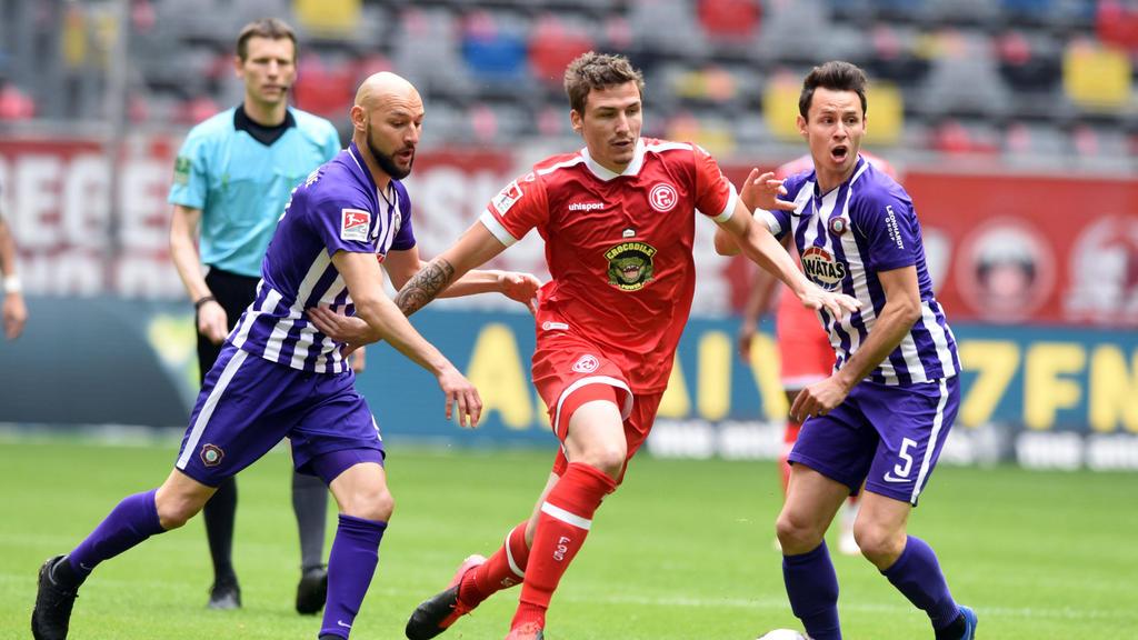 Düsseldorf gewinnt und bleibt in Liga 2