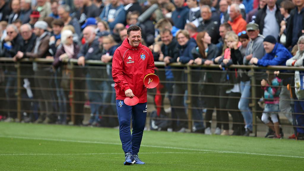 HSV-Coach Christian Titz ist mit seinem Team nach Österreich ins Trainingslager gereist