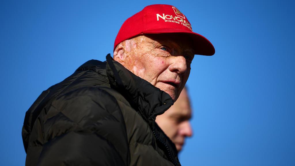 Niki Lauda musste sich einer komplizierten Operation unterziehen