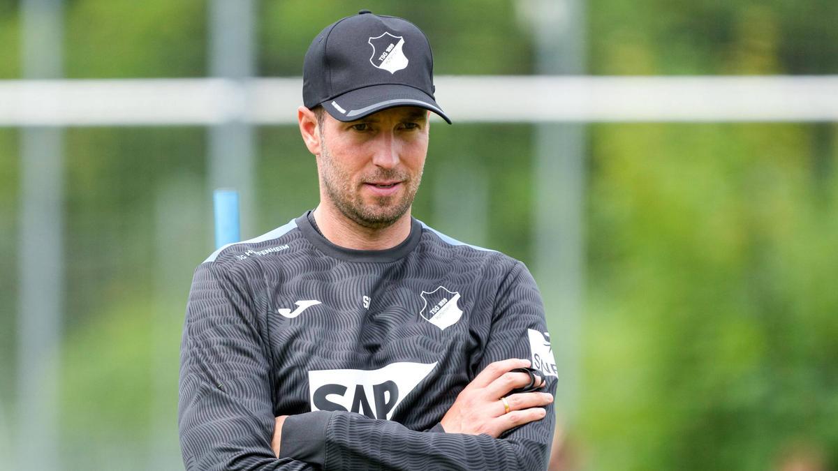 Hoffenheims Cheftrainer Sebastian Hoeneß