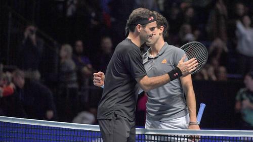 Roger Federer (l.) steht vor seinem Comeback auf der ATP-Tour