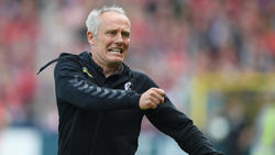 SC-Freiburg-Trainer Christian Streich hat immer noch Probleme mit dem Rücken