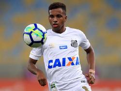 Rodrygo con la camiseta del Santos FC. (Foto: Getty)