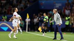 US-Trainerin Jill Ellis gibt Anweisungen