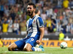 El nuevo '9' del Espanyol ya golea con la camiseta perica.