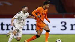 Sead Kolasinac (l.) spielte noch mit Bosnien-Herzegowina am Wochenende gegen die Niederlande