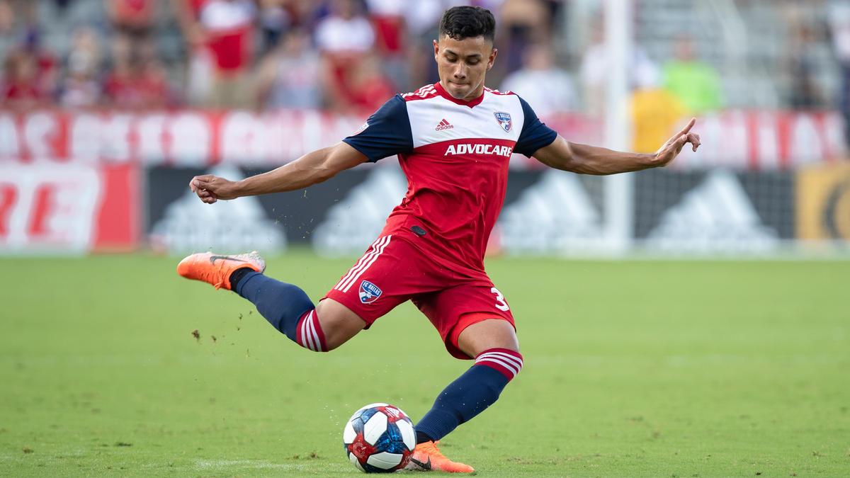 Edwin Cerrillo trainiert bei den Bayern mit