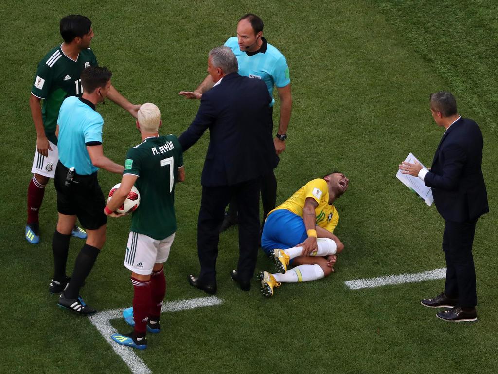 Neymar sorgt mit seiner Theatralik für Unverständnis