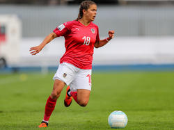 ÖFB-Nationalspielerin Laura Feiersinger durfte über einen Doppelpack für Frankfurt jubeln