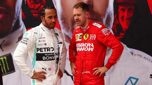 Lewis Hamilton (l.) möchte seinen Titel in der Formel 1 verteidigen