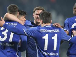 Die Schalker jubelten in Griechenland gleich dreifach