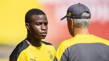 Youssoufa Moukoko bereitet sich mit dem Profi-Kader der Dortmunder vor