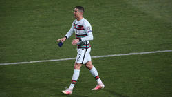 Regt sich im Spiel gegen Serbien über ein reguläres nicht gegebenes Tor auf: Portugals Kapitän Cristiano Ronaldo
