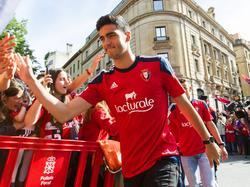 Merino feiert den Aufstieg mit den Osasuna-Fans