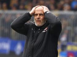 Michael Frontzeck kann die Lage des FCK nicht fassen