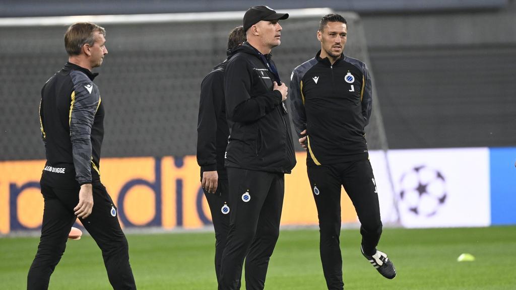 Philippe Clement (M.) macht den FC Brügge vor dem Spiel in Leipzig kleiner