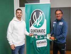 Neuzugang Luca Meisl (li.) mit Cheftrainer Gerald Baumgartner