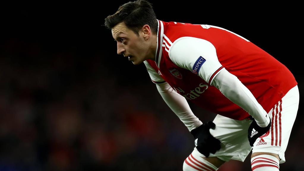 Mesut Özil steht nicht im Europa-League-Kader von Arsenal