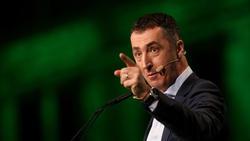 Der Grünen-Politiker Cem Özdemir kritisiert Mesut Özil deutlich