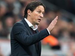Roger Schmidt geht optimistisch und zugleich vorsichtig in das Spitzenspiel gegen Bayern München