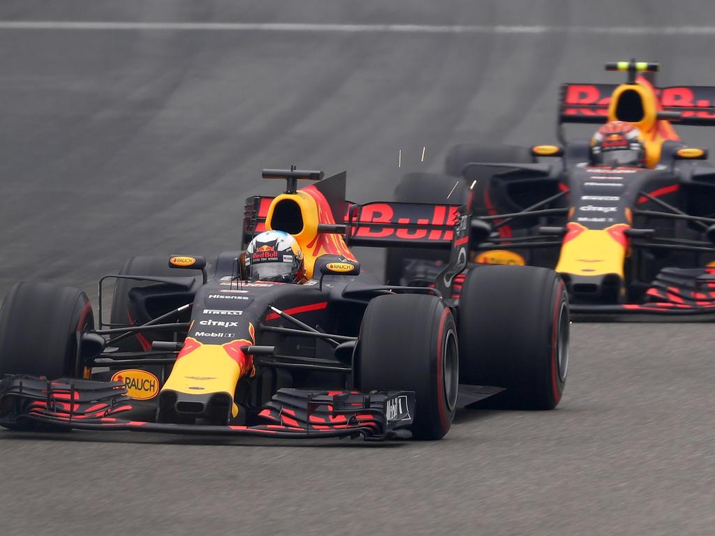 Max Verstappen und Daniel Ricciardo genießen auf der Strecke Freiheiten