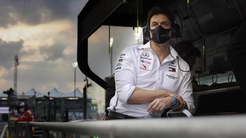 Toto Wolff spielt die angeblichen Motorenprobleme von Mercedes herunter