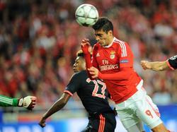 Raul Jimenez überrumpelt die Bayern