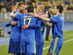 Los ucranianos celebran el gol de Andrei Yarmolenko. (Foto: Imago)