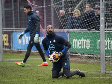 Kenneth Vermeer (r.) traint bij Feyenoord (08-02-2017).