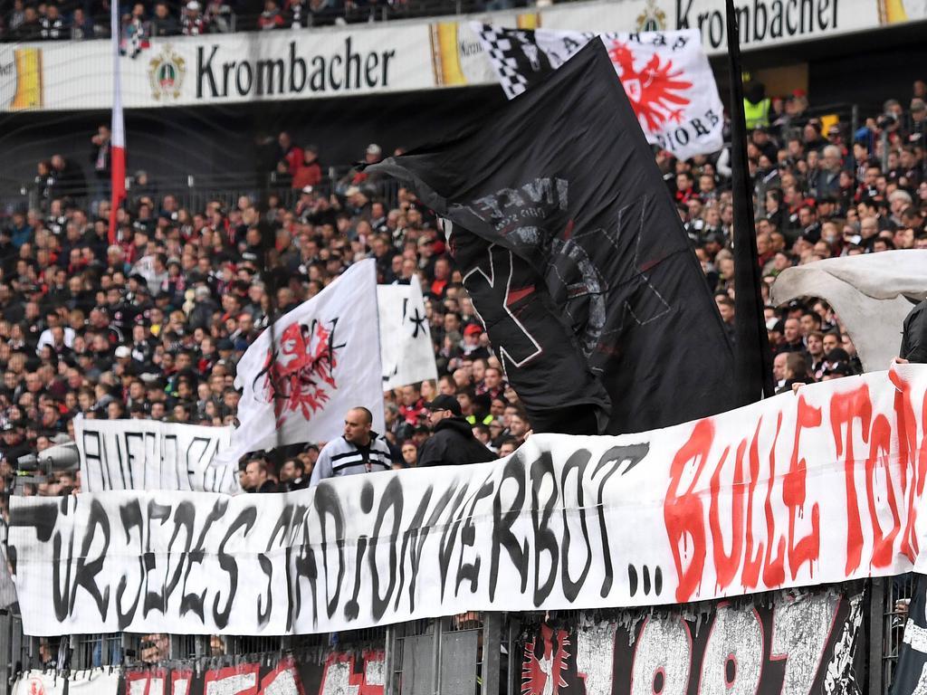 Erneute Entgleisung der Frankfurter Fans