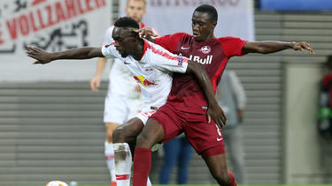 Diadié Samassékou (r.) spielte in der letzten Saison in der Europa League gegen RB Leipzig