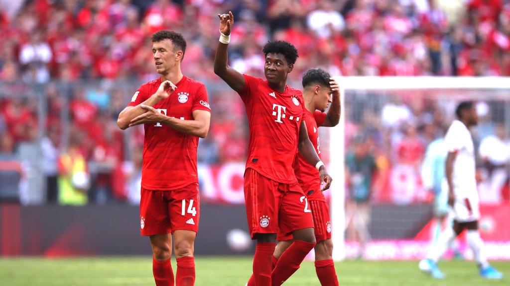 David Alaba (M.) zeigte sich nach dem Spiel der FC Bayern begeistert