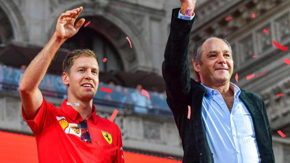 Gerhard Berger (r.) kritisiert Formel-1-Pilot Sebastian Vettel